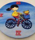 w-tahtacati-saat-bisiklet-kedili-kiz